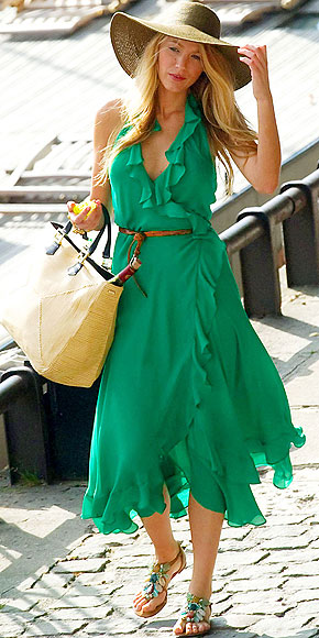20c31c9f72c0 I am in love with this dress Blake Lively is wearing during a Gossip Girl  filming in Paris.