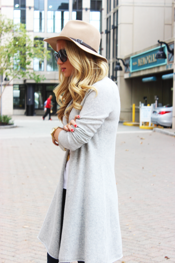 Camel Fedora Gray Sweater