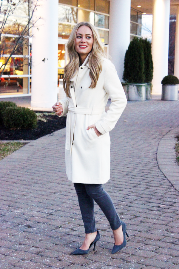 Cream Coat Gray Pumps