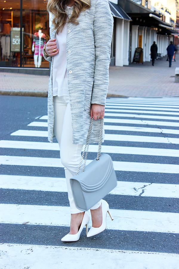 Gray Bag White Pumps Spring