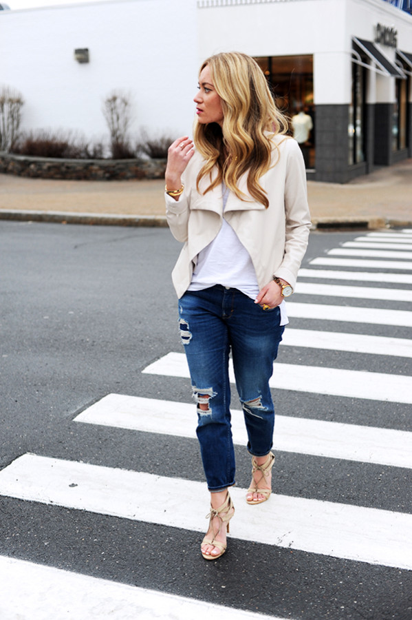 How to Wear Ripped Jeans