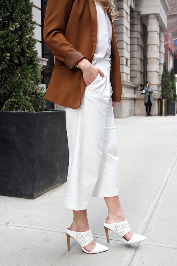 White Cropped Pants