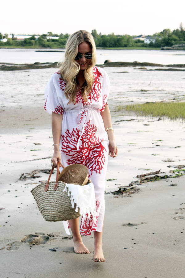 7ecfc73ee223f7 Coral-Print-Coverup Blogger-Beach-Style ...