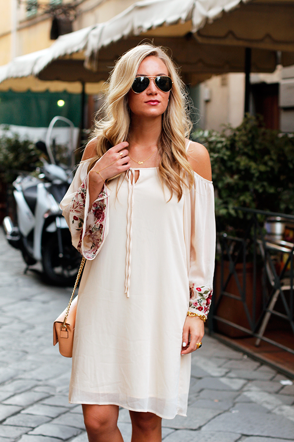 Off-Shoulder-Dress-
