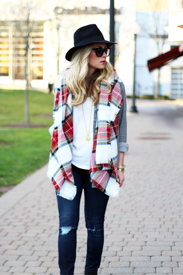 Cozy-Plaid-Scarf