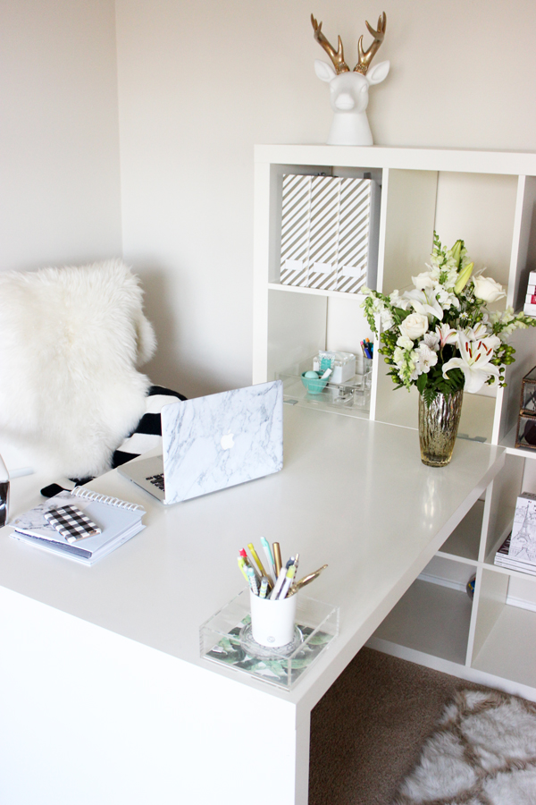 All-White-Office