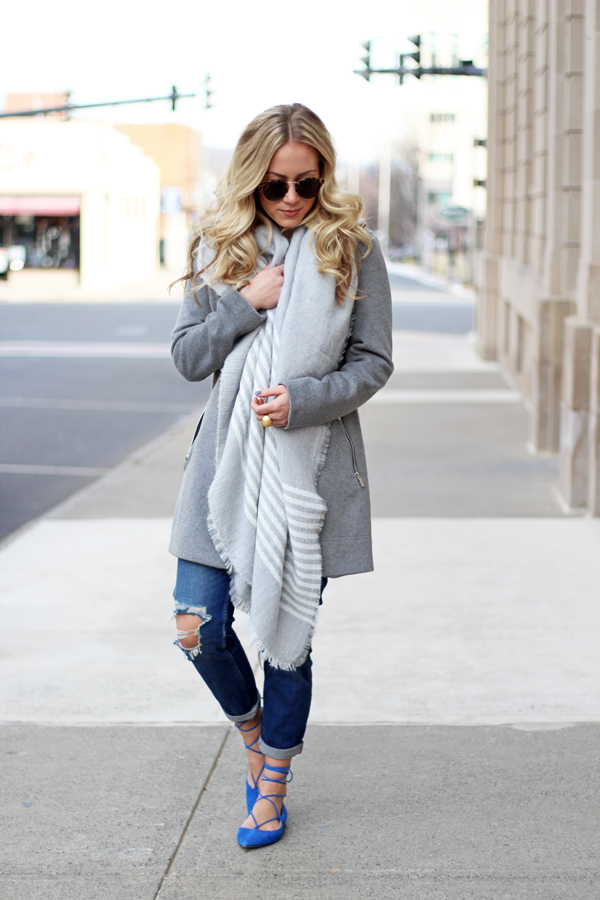 Gray-Striped-Scarf