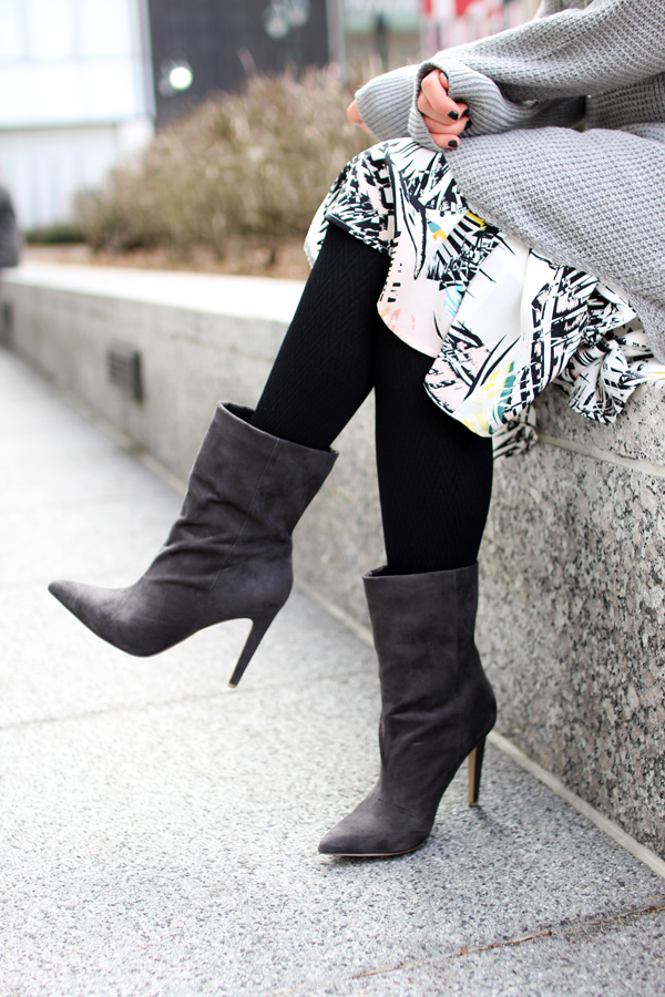 Gray-Pointed-Booties