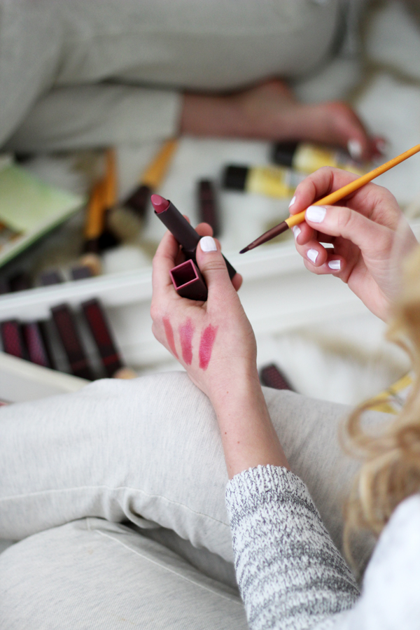 Applying-Lipstick-with-Brush