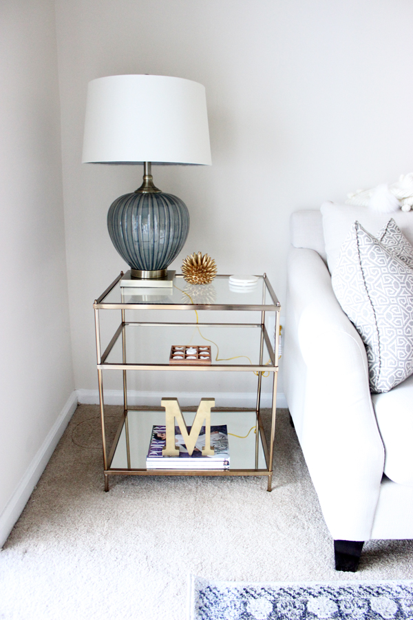 How-to-Style-a-Side-Table