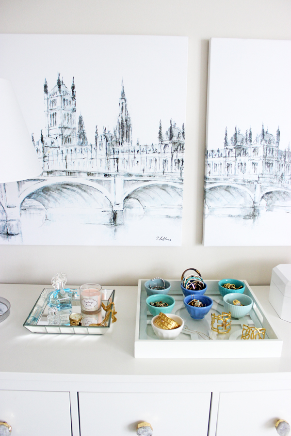 Jewelry-Organization-on-Dresser