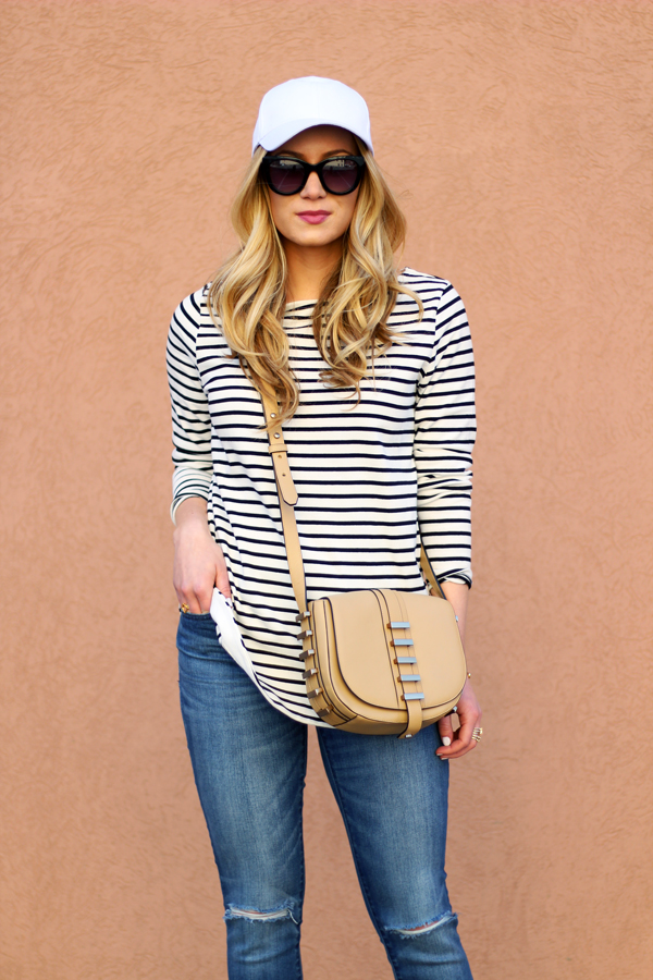 Striped-Tee-Neutral-Crossbody-Ripped-Jeans