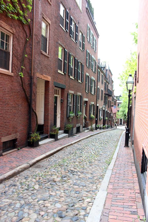 Acorn-Street-Beacon-Hill-Boston