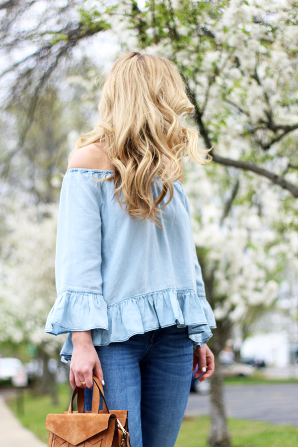 Chambray-Off-Shoulder-Top-with-Skinny-Jeans