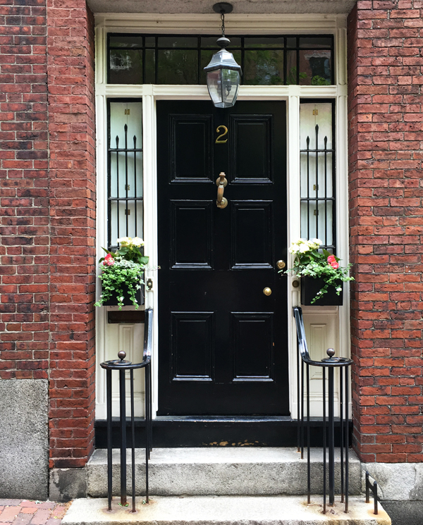 Doors-of-Boston-Acorn-Street-Beacon-Hill & Doors-of-Boston-Acorn-Street-Beacon-Hill - Style Cusp