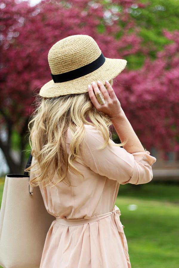 Kendra-Scott-Ring-Pretty-Blonde-Hair