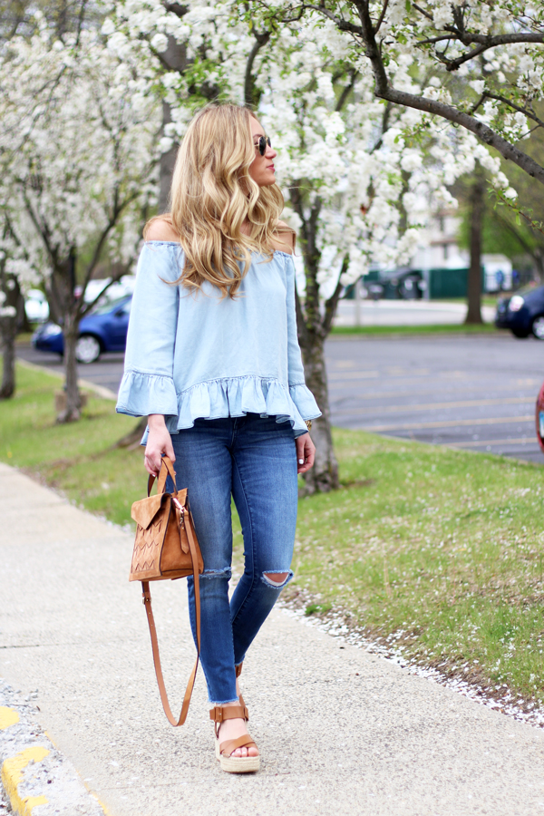 Off-Shoulder-Chambray-Ruffle-Top-with-Skinny-Jeans