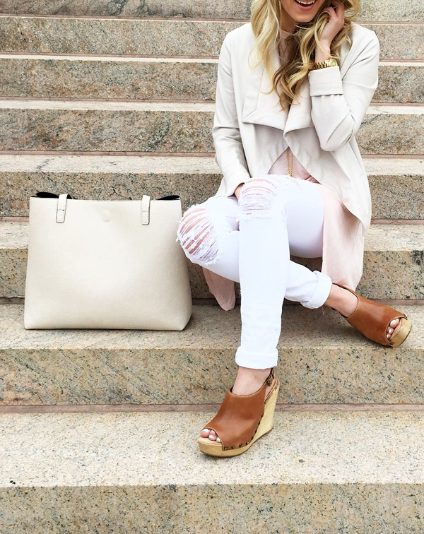 Ripped-Jeans-Nude-Tote-Sam-Edelman-Wedges-