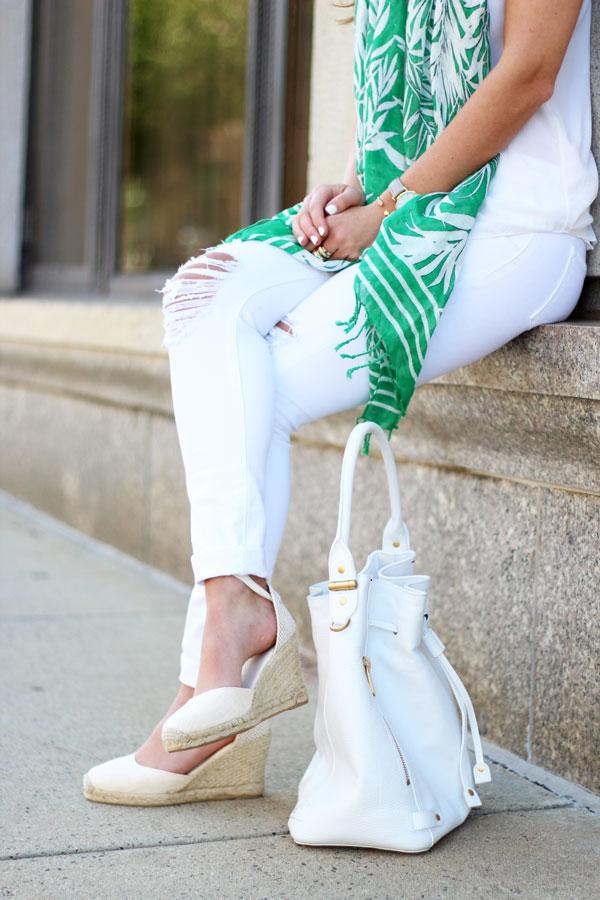 Soludos-WEdges-White-Bucket-Bag-White-Jeans