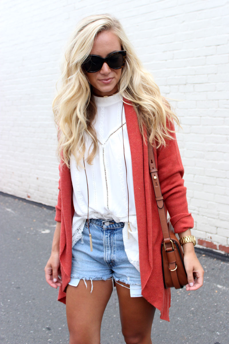 Fall-Transition-Outfit-Cardigan-and-Cutoffs