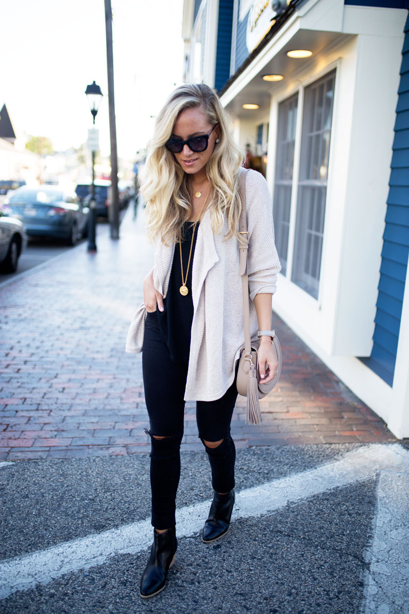 fall-transition-style-madewell-cardigan-ripped-jeans