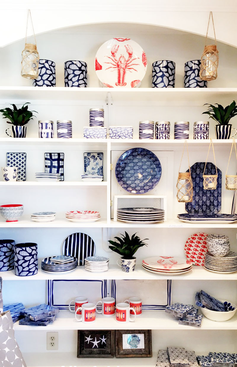 kennebunkport-tourist-shop-shelf-styling-decor
