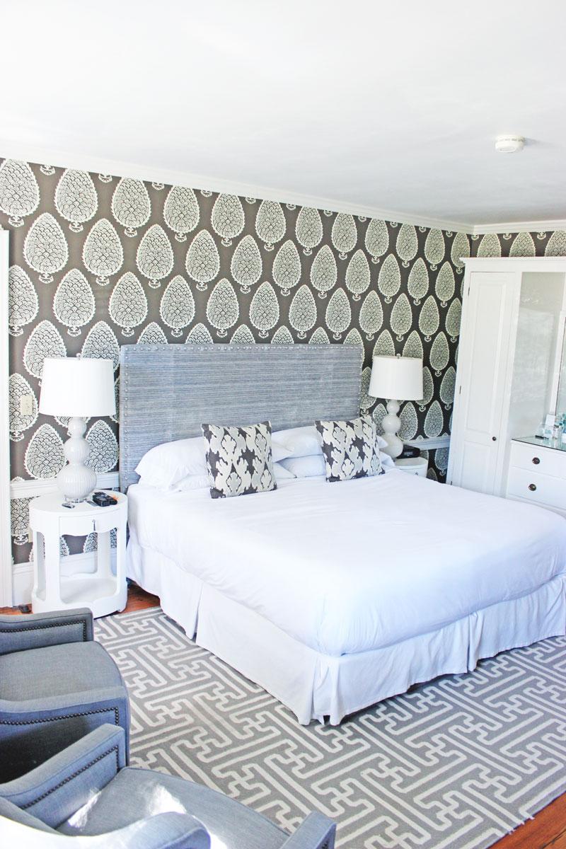 neutral-bedroom-decor-bedroom-goals-captain-fairfield-inn-room-kennebunkport-maine