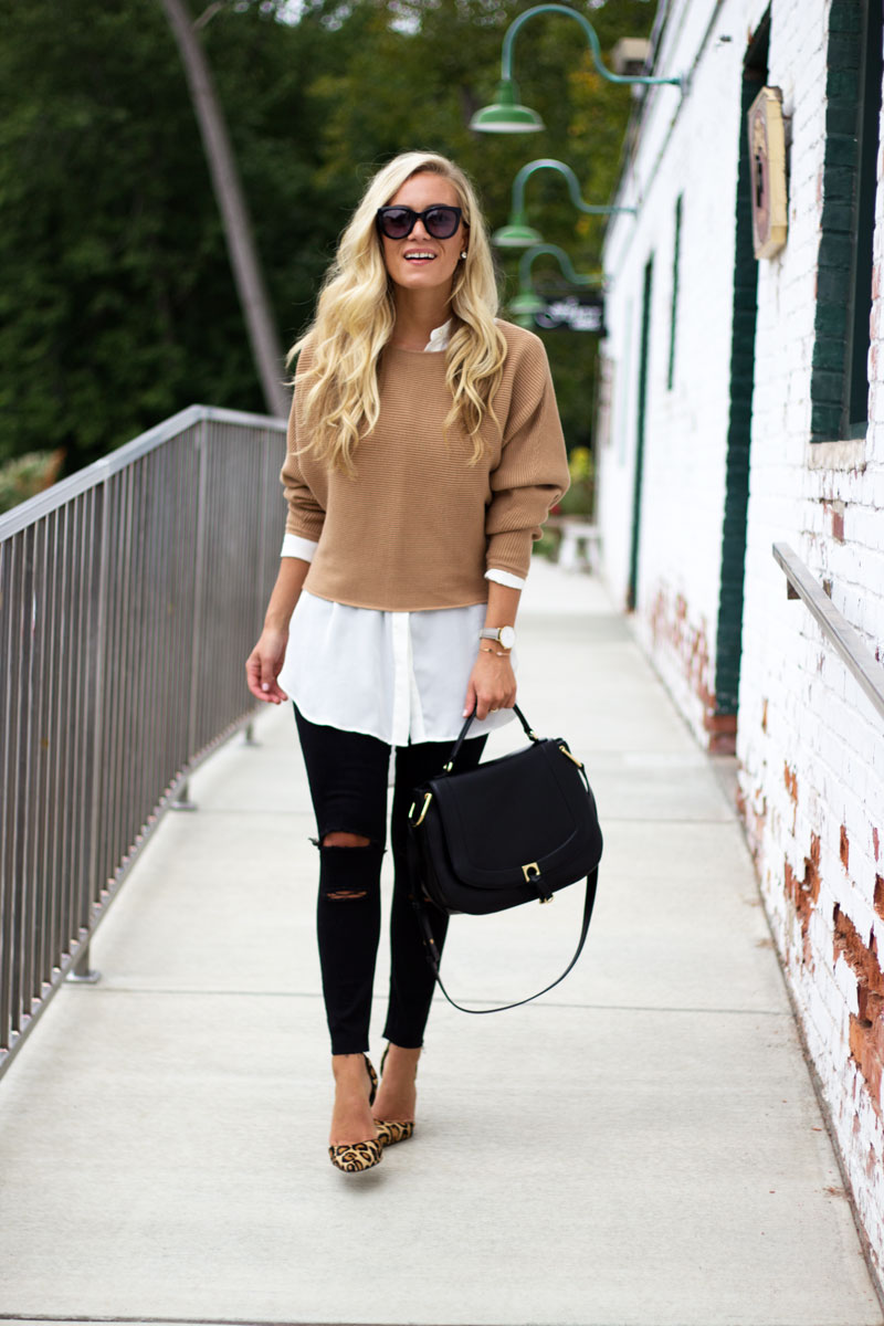 nordstrom-white-tunic-black-ripped-jeans-leopard-pumps