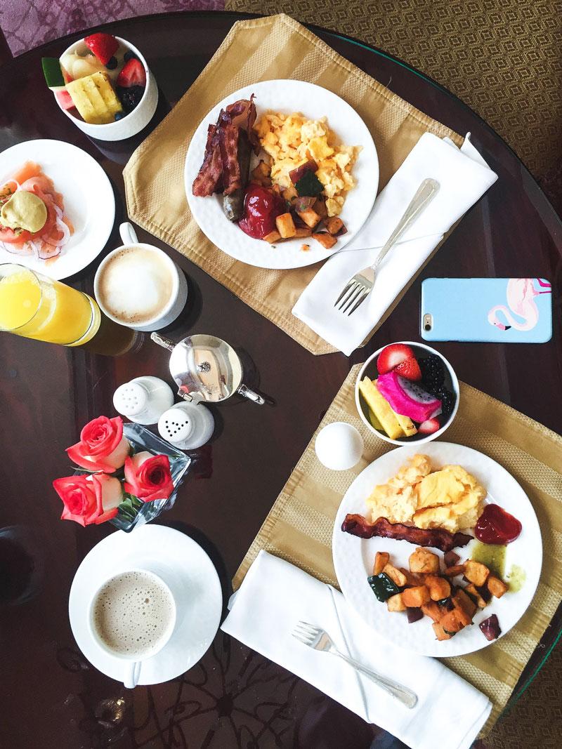 Ritz-Carlton-Club-Lounge-Breakfast-Cancun