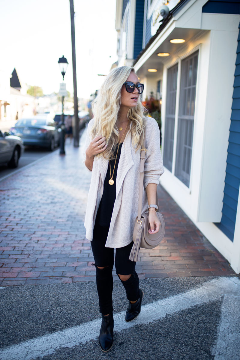 style-cusp-kennebunkport-maine-travel-style-cozy-fall-trend