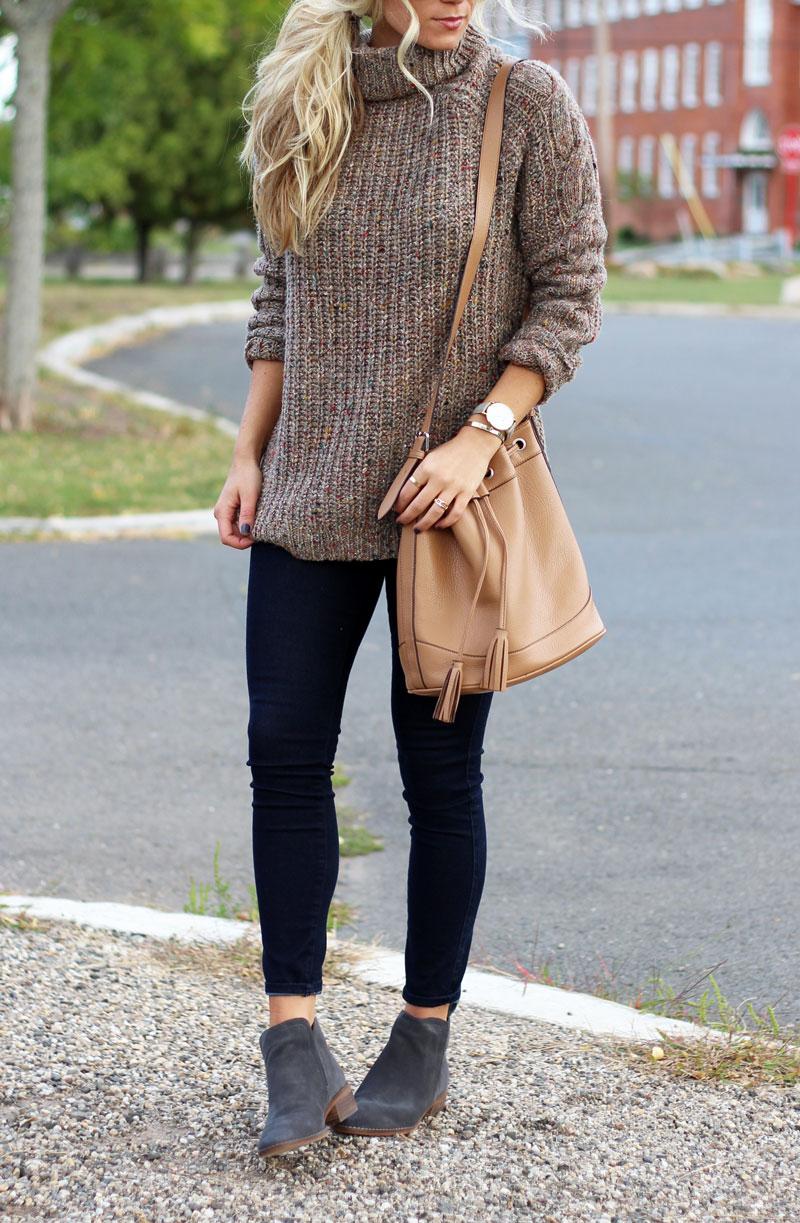 abercrombie-knit-turtleneck-sweater-bucket-bag