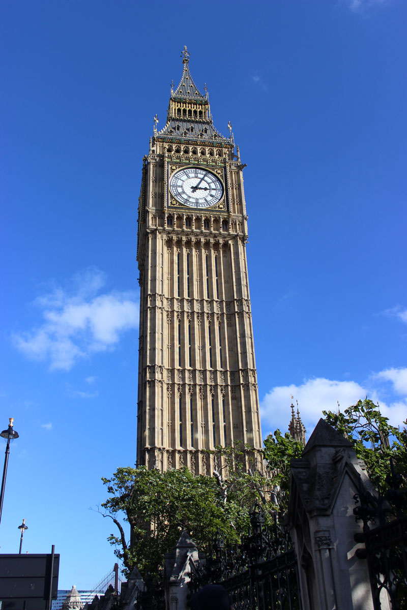 london-big-ben-tourist-travel