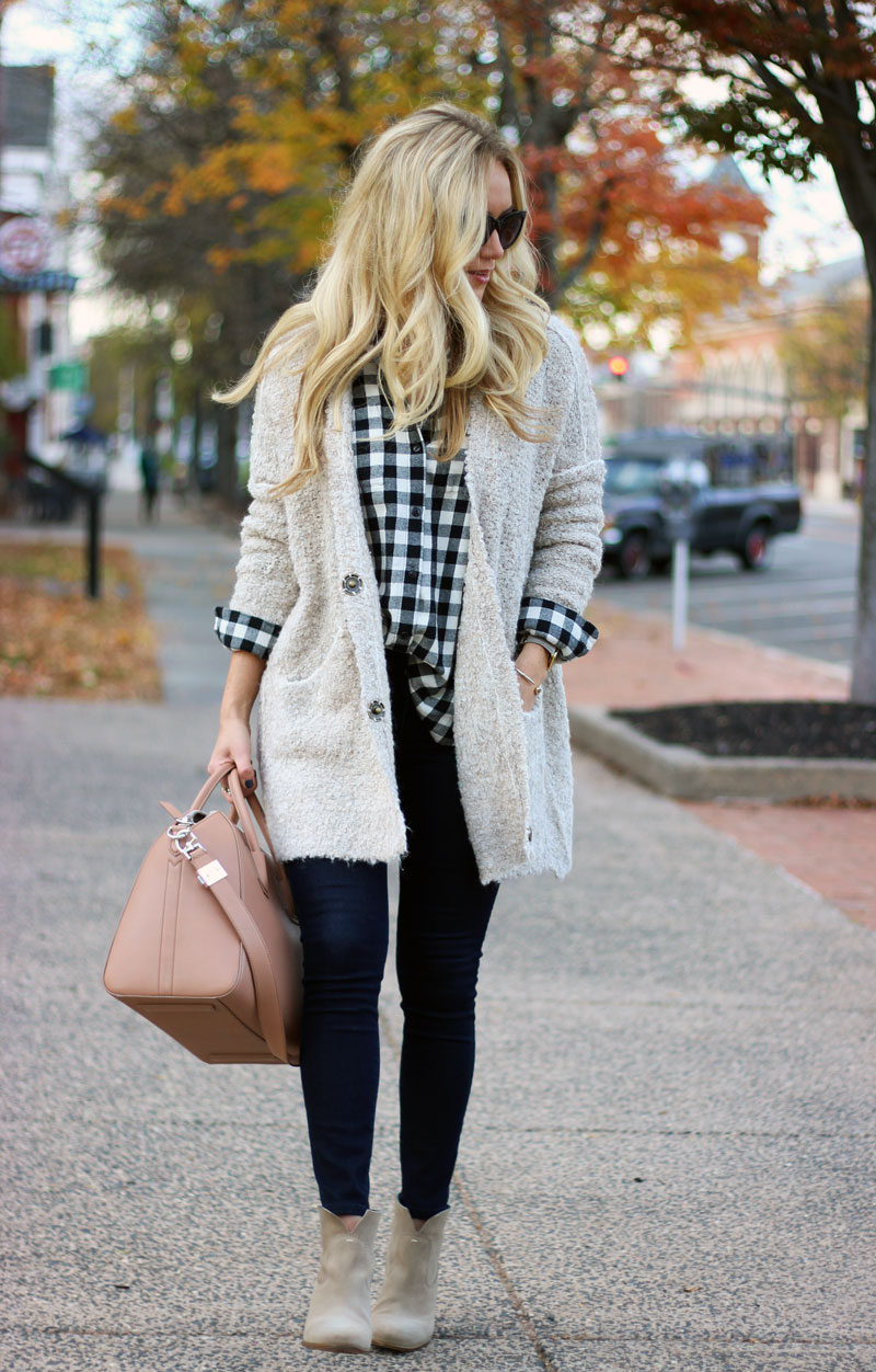 comfy-fall-style-cardigan-plaid-top-dark-skinny-jeans