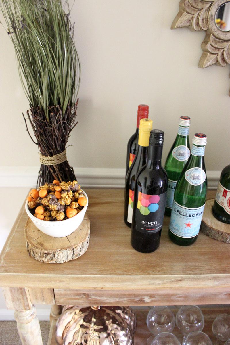 seven-daughters-wine-pumpkin-popcorn-home-decor-holiday