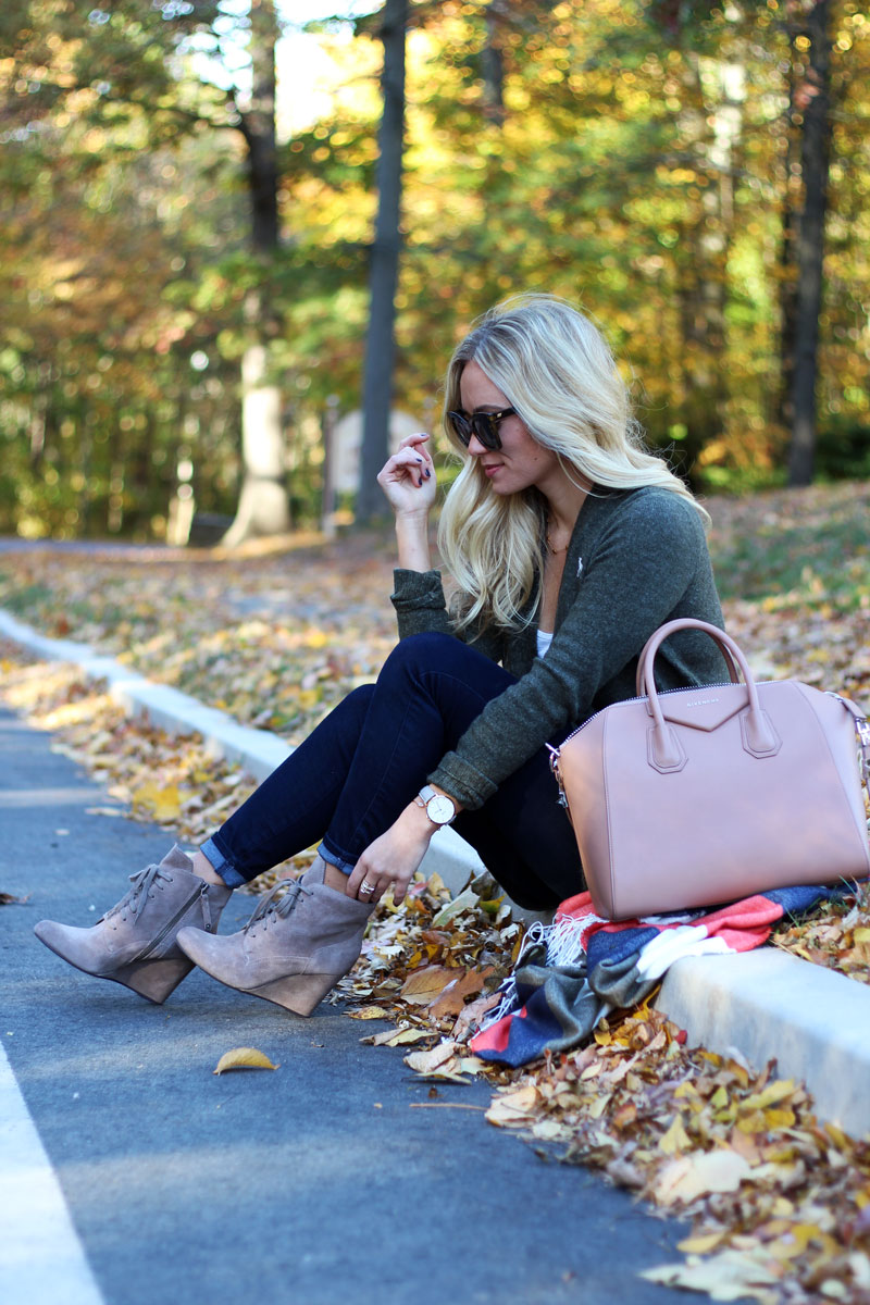 style-cusp-fall-outfits-givenchy-antigona-tote