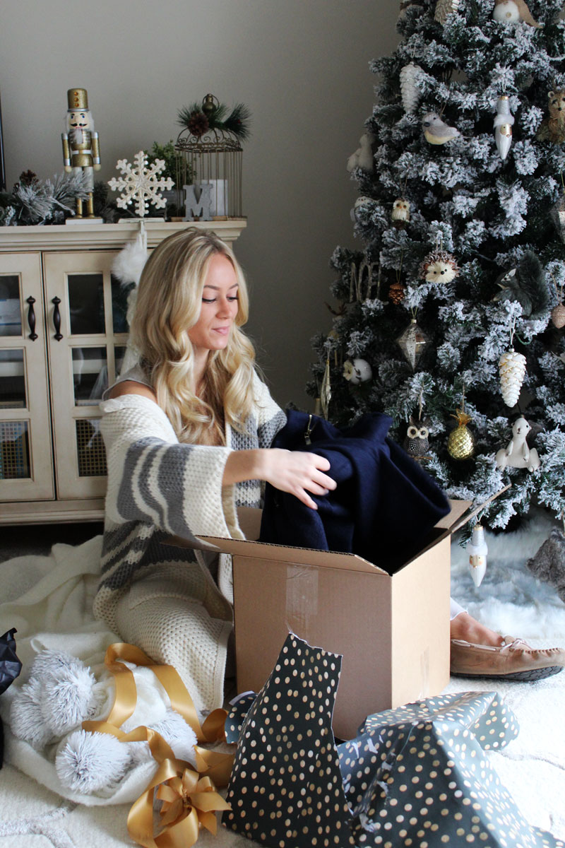 opening-christmas-gifts-holiday-secret-santa-party-ideas-vince ...