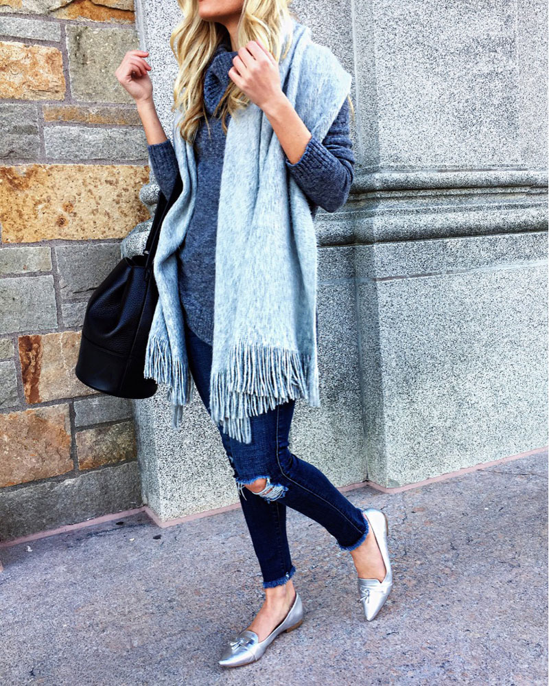 25a57a7e738 oversized-gray-scarf-gray-turtlneck-sweater-black-bucket-