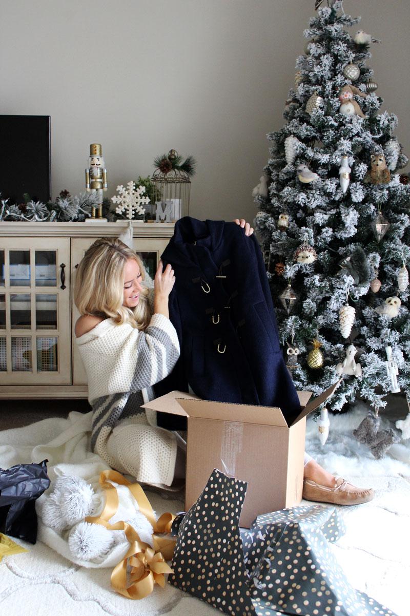 vince-camuto-coat-farmhouse-christmas-treet-decor