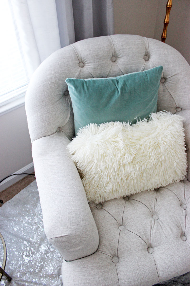 Tufted-Accent-Chair-in-Office-Faux-fur-shaggy-Pillow-Turquoise-Velvet-Pillow-Home-Office-Details