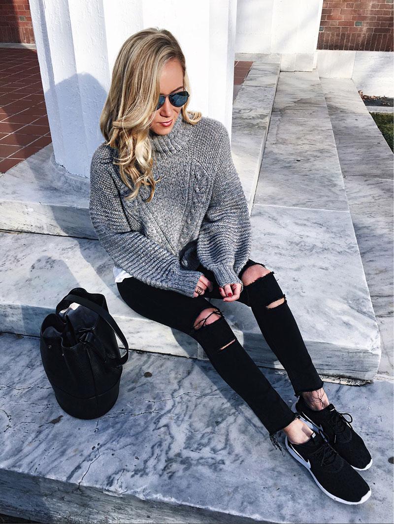 Knit-turtleneck-sweater-Nike-Juvenate