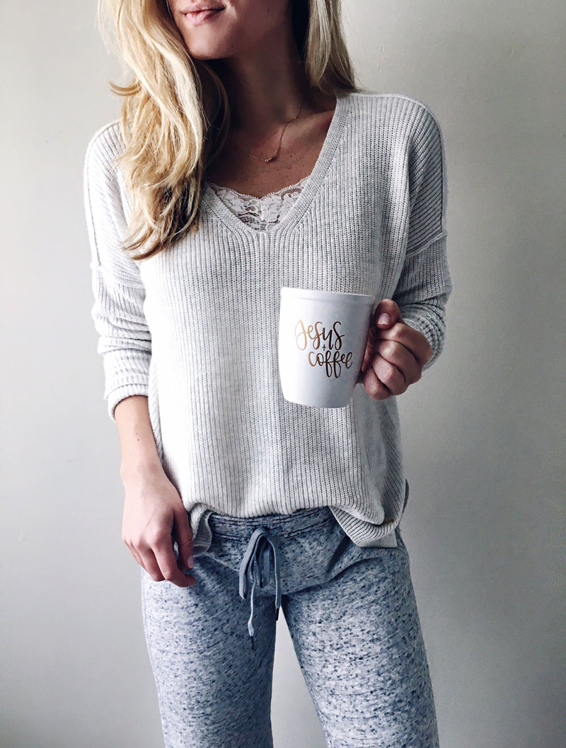 Knit-Sweater-Chalkfull-of-Love-Mug