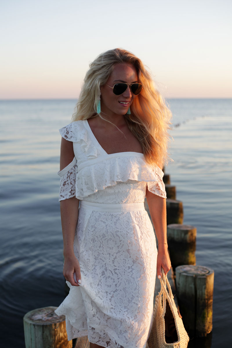 White-Lace-One-Shoulder-Dress