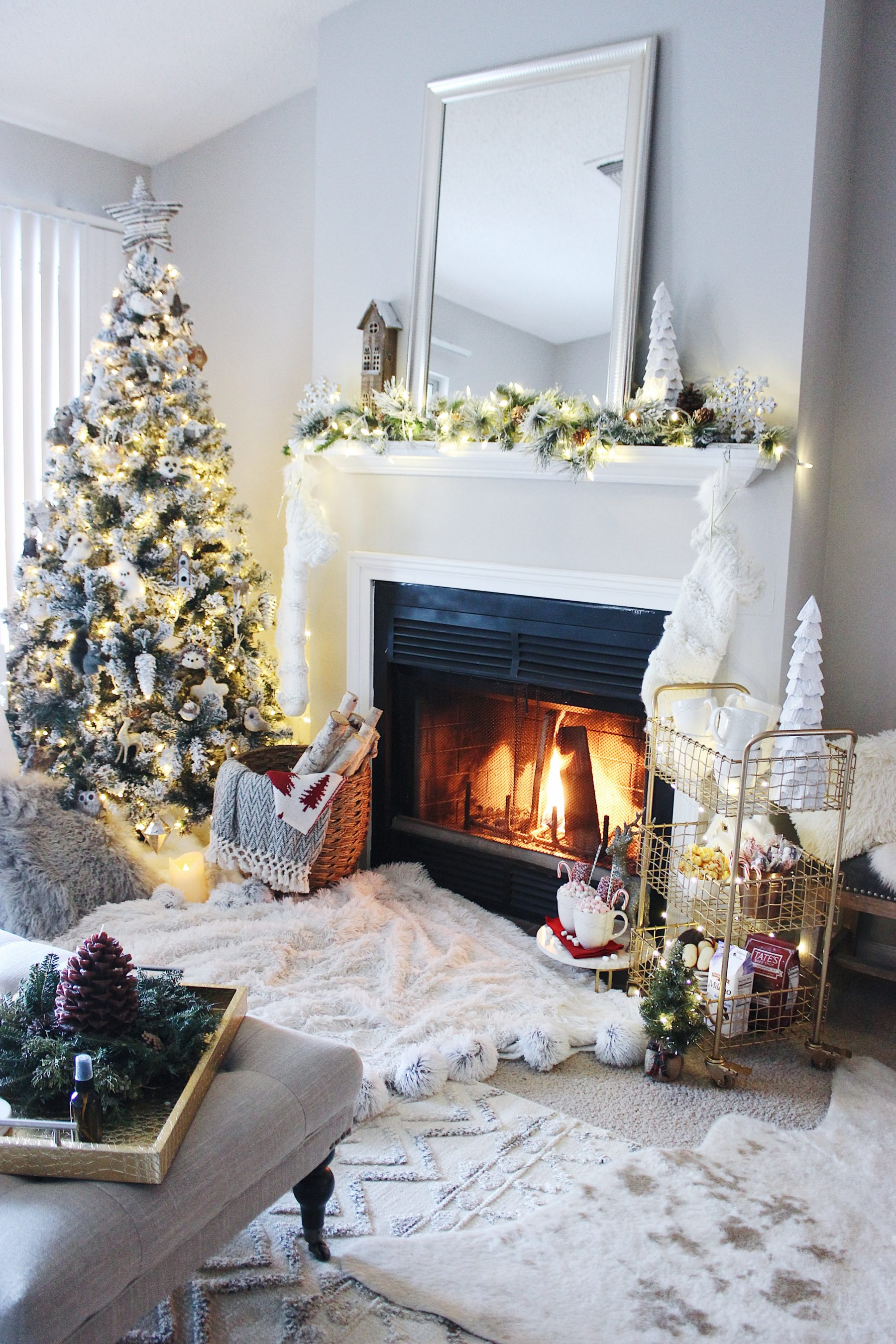 neutral living room christmas