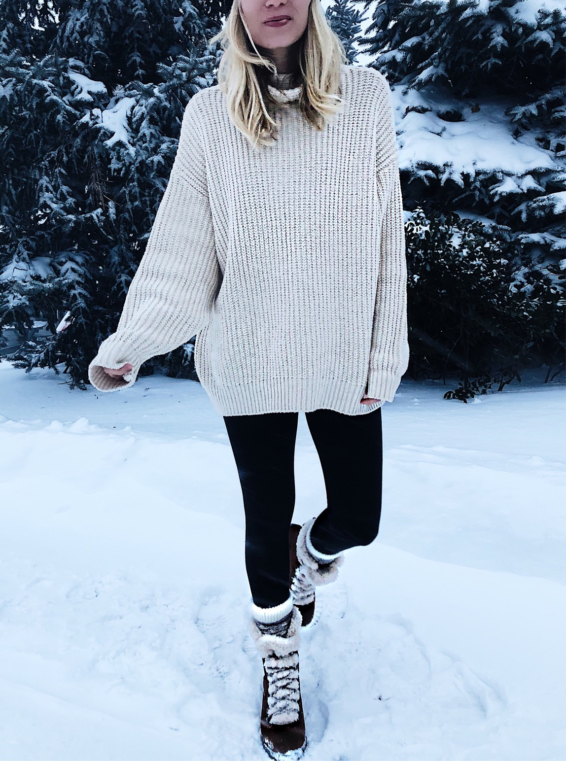 neutral cream sweater leggings snow boots