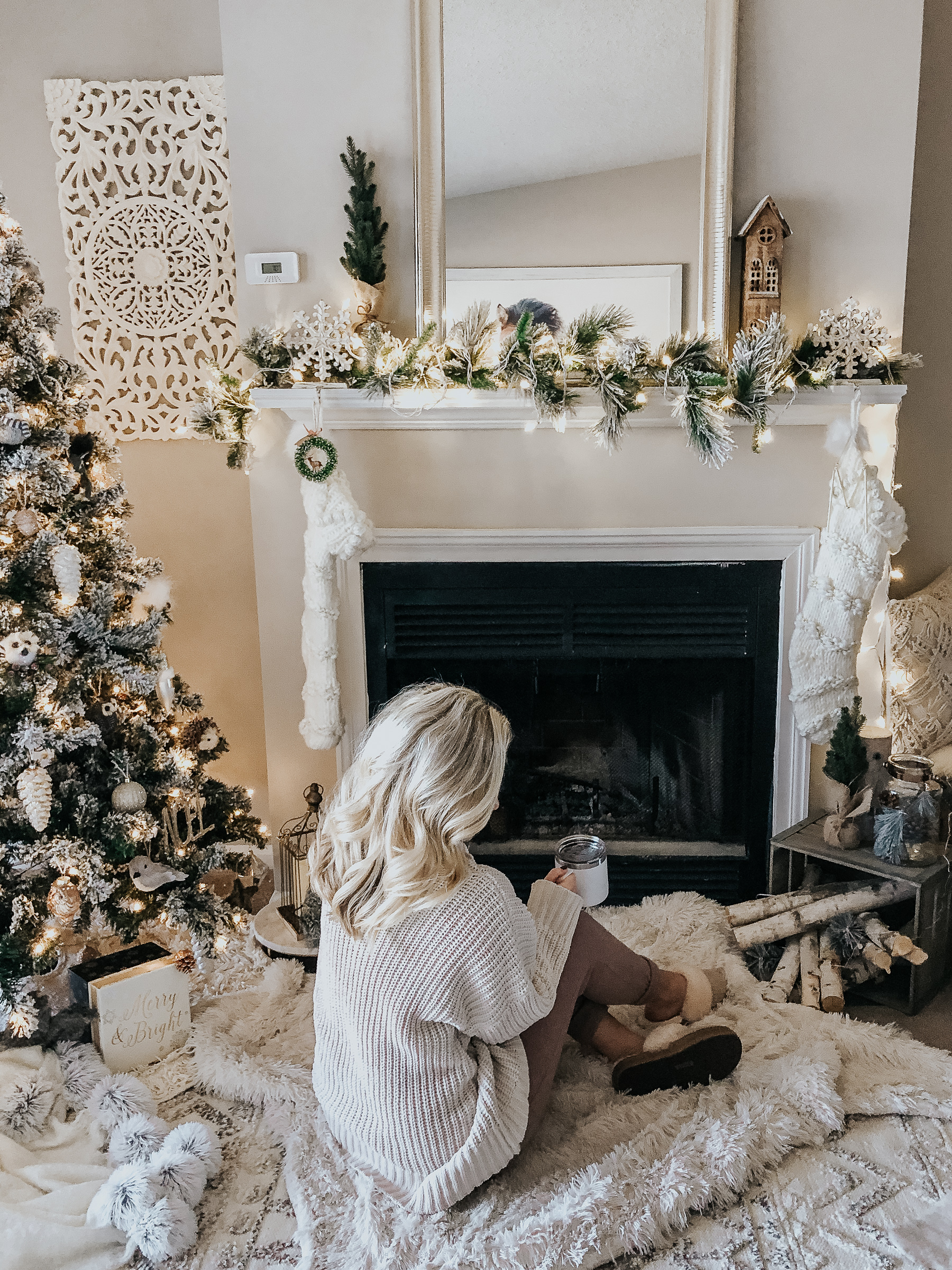 5 Tips for Decorating a Small Space for the Holidays - Style ...